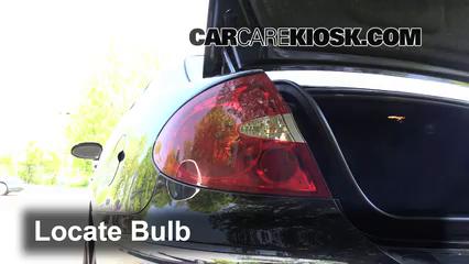 2007 Buick LaCrosse CXL 3.8L V6 Lights Turn Signal - Rear (replace bulb)