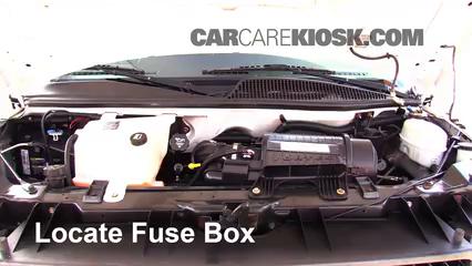 2007 Chevrolet Express 3500 LS 6.0L V8 Standard Passenger Van (3 Door) Fuse (Engine) Check