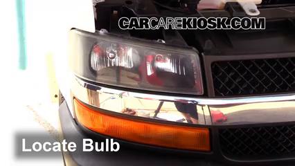 2007 Chevrolet Express 3500 LS 6.0L V8 Standard Passenger Van (3 Door) Lights Turn Signal - Front (replace bulb)