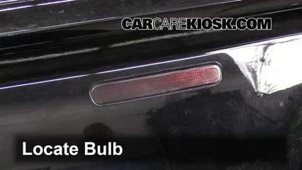 2007 Chevrolet Impala SS 5.3L V8 Lights Center Brake Light (replace bulb)