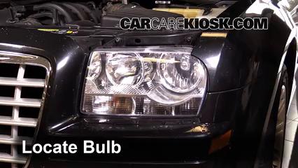 2007 Chrysler 300 2.7L V6 Éclairage Feux de route (remplacer l'ampoule)