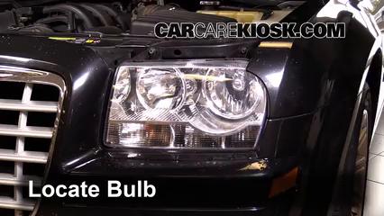 2007 Chrysler 300 2.7L V6 Éclairage Feu clignotant avant (remplacer l'ampoule)