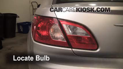 2007 Chrysler Sebring Limited 2.4L 4 Cyl. Luces Luz de reversa (reemplazar foco)