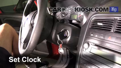 2007 Fiat Grande Punto Active 1.2L 4 Cyl. Clock