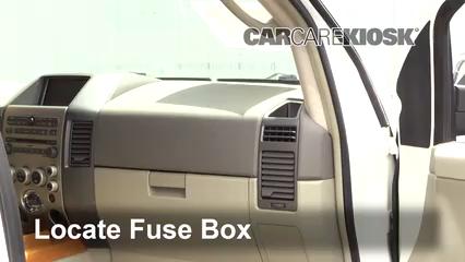2007 Infiniti QX56 5.6L V8 Fusible (intérieur)
