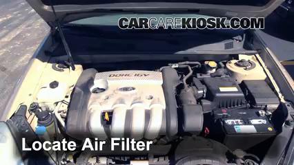 2007 Kia Optima EX 2.4L 4 Cyl. Air Filter (Engine)