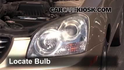 2007 Kia Optima EX 2.4L 4 Cyl. Luces Luz de carretera (reemplazar foco)