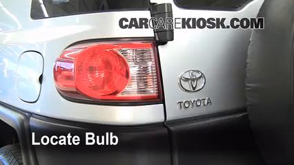 2007 Toyota FJ Cruiser 4.0L V6 Lights
