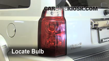 Lights BL Part 1 brake light change 2006 2010 jeep commander 2008 jeep commander 2007 jeep grand cherokee tail light wiring diagram at bakdesigns.co