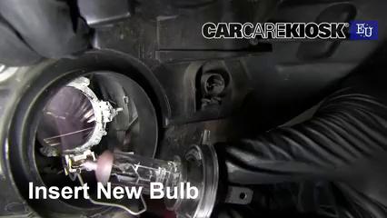 Change Headlight Bulb >> Headlight Change 2005 2014 Peugeot 107 2008 Peugeot 107