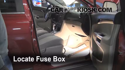 interior fuse box location 2008 2010 saturn vue 2008 saturn vue rh carcarekiosk com 2008 saturn outlook fuse box diagram 08 Saturn Aura