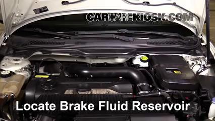 Adding Brake Fluid >> Add Brake Fluid 2008 2013 Volvo C30 2008 Volvo C30 T5 2 5