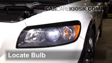 2008 volvo c30 t5 2 5l 5 cyl  turbo lights highbeam (replace bulb)