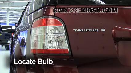 2008 Ford Taurus X Limited 3.5L V6 Éclairage Feux de marche arrière (remplacer une ampoule)