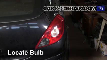 2008 Opel Corsa D 1.2L 4 Cyl. Luces Luz de reversa (reemplazar foco)