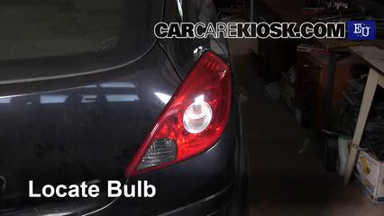 2008 Opel Corsa D 1.2L 4 Cyl. Luces Luz de giro trasera (reemplazar foco)