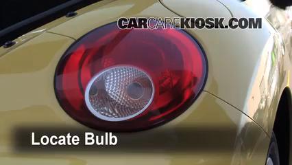 2008 Volkswagen Beetle S 2.5L 5 Cyl. Hatchback Lights