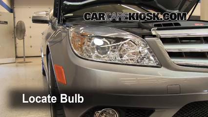 Headlight Change 2008-2015 Mercedes-Benz C300 - 2009