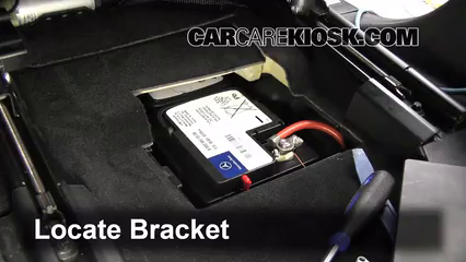 Mercedes Benz Gl L V Fbattery Removal Part on 2014 Jeep Grand Cherokee Battery Location