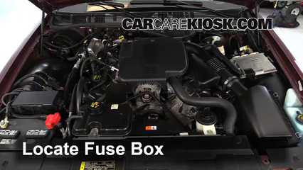Replace a Fuse: 1992-2011 Ford Crown Victoria - 2007 Ford ... on 92 crown vic gas tank, 92 crown vic front end assembly, 92 crown vic window regulator, 92 crown vic intake manifold, 92 crown vic transmission, 92 crown vic belt tensioner, 92 crown vic engine,