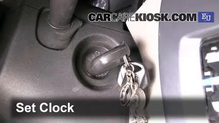 2009 Dacia Sandero LLMPI 1.4L 4 Cyl. Clock
