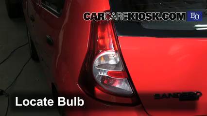2009 Dacia Sandero LLMPI 1.4L 4 Cyl. Lights Reverse Light (replace bulb)