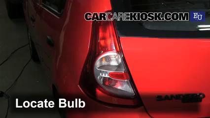 2009 Dacia Sandero LLMPI 1.4L 4 Cyl. Lights