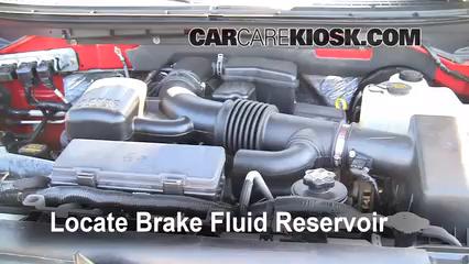 2009 Ford F-150 XLT 5.4L V8 FlexFuel Crew Cab Pickup (4 Door) Liquide de frein