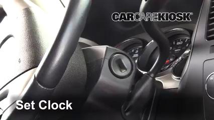 2009 GMC Sierra 2500 HD SLE 6.0L V8 Crew Cab Pickup (4 Door) Reloj