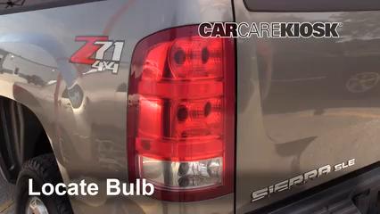 2009 GMC Sierra 2500 HD SLE 6.0L V8 Crew Cab Pickup (4 Door) Luces Luz de reversa (reemplazar foco)