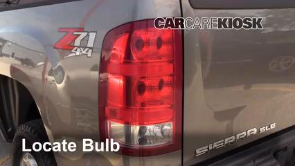 2009 GMC Sierra 2500 HD SLE 6.0L V8 Crew Cab Pickup (4 Door) Luces Luz de freno (reemplazar foco)