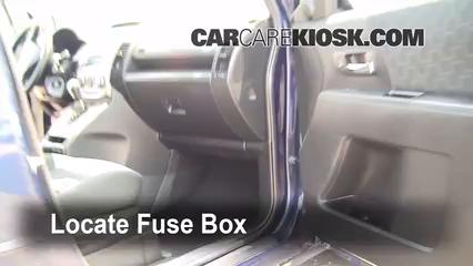 2009 Mazda 5 Sport 2.3L 4 Cyl. Fusible (interior)