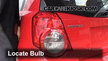 2009 Pontiac G3 1.6L 4 Cyl. Lights