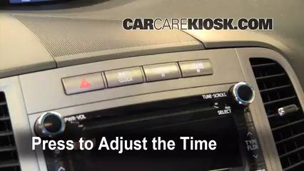 2009 Toyota Venza 2.7L 4 Cyl. Clock