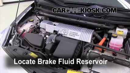 2010 2015 Toyota Prius Brake Fluid Level Check 2010