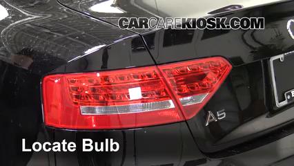 2010 Audi A5 Quattro 2.0L 4 Cyl. Turbo Éclairage Feu stop (remplacer ampoule)
