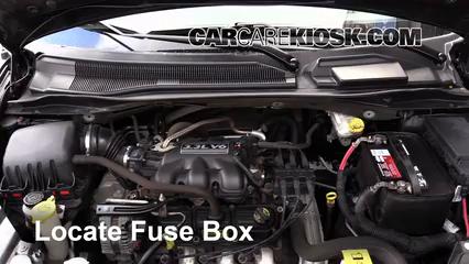 2010 Dodge Grand Caravan SE 3.3L V6 FlexFuel Fusible (intérieur)