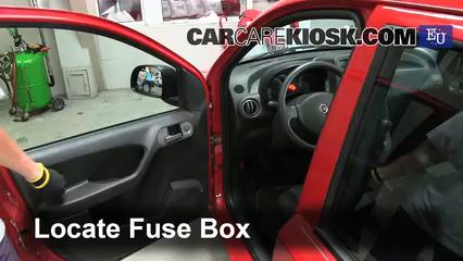 2010 Fiat Panda Active 1.2L 4 Cyl. Fusible (intérieur)