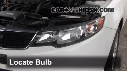 2010 Kia Forte EX 2.0L 4 Cyl. Sedan (4 Door) Lights Parking Light (replace bulb)