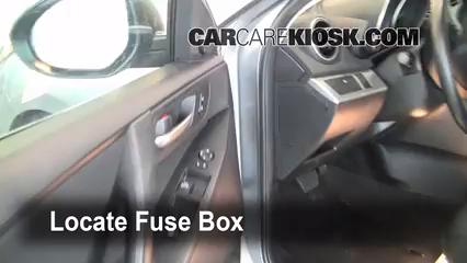 2010 Mazda 3 i 2.0L 4 Cyl. Fusible (interior)