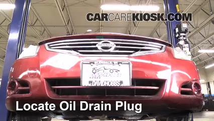 Oil & Filter Change Nissan Altima (2007-2013) - 2011 Nissan Altima