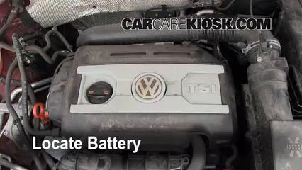 Battery Replacement: 2009-2017 Volkswagen Tiguan - 2011