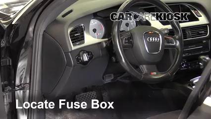 2011 Audi S4 3.0L V6 Supercharged Fusible (intérieur)