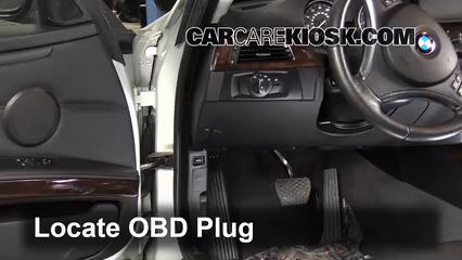 2011 BMW 328i xDrive 3.0L 6 Cyl. Coupe (2 Door) Compruebe la luz del motor