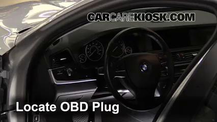 2011 BMW 535i 3.0L 6 Cyl. Turbo Compruebe la luz del motor