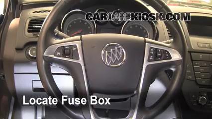 2011 Buick Regal CXL 2.4L 4 Cyl. Fusible (intérieur)