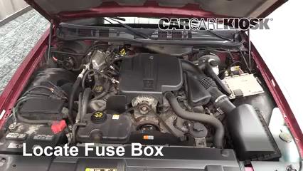 2011 Ford Crown Victoria LX 4.6L V8 FlexFuel Fusible (moteur)