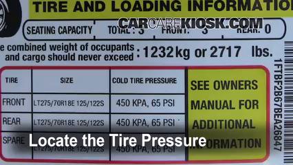 2011 Ford F-250 Super Duty XLT 6.2L V8 FlexFuel Standard Cab Pickup Pneus et roues Vérifier la pression des pneus