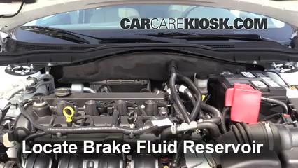 2011 Ford Fusion SEL 2.5L 4 Cyl. Liquide de frein