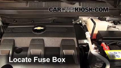 replace a fuse 2012 2015 chevrolet captiva sport 2012 chevroletlocate engine fuse box and remove cover